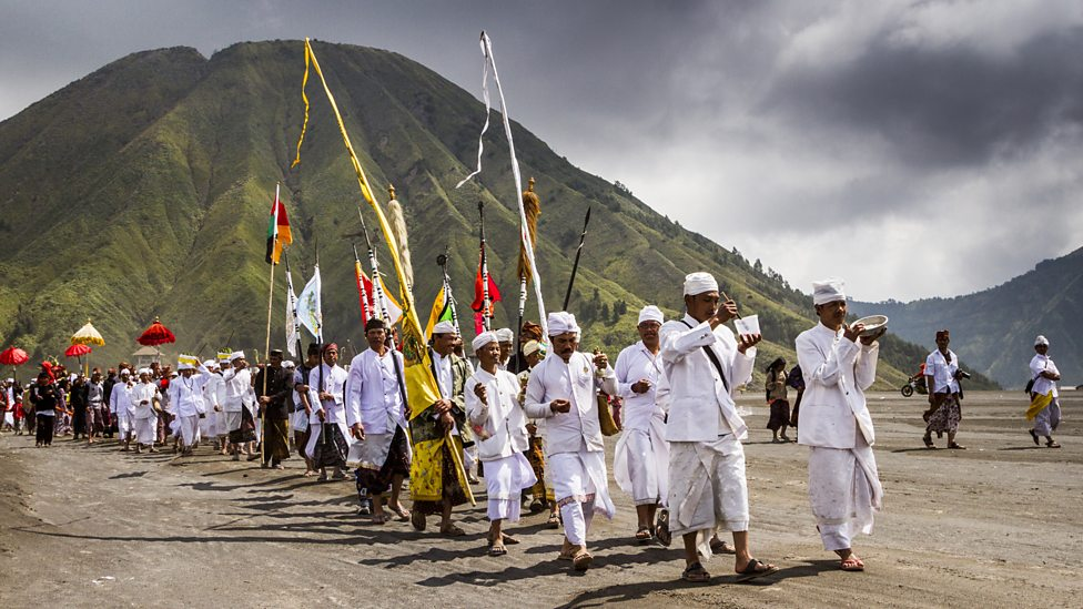 Tenggerese people begin the Kasada Festival