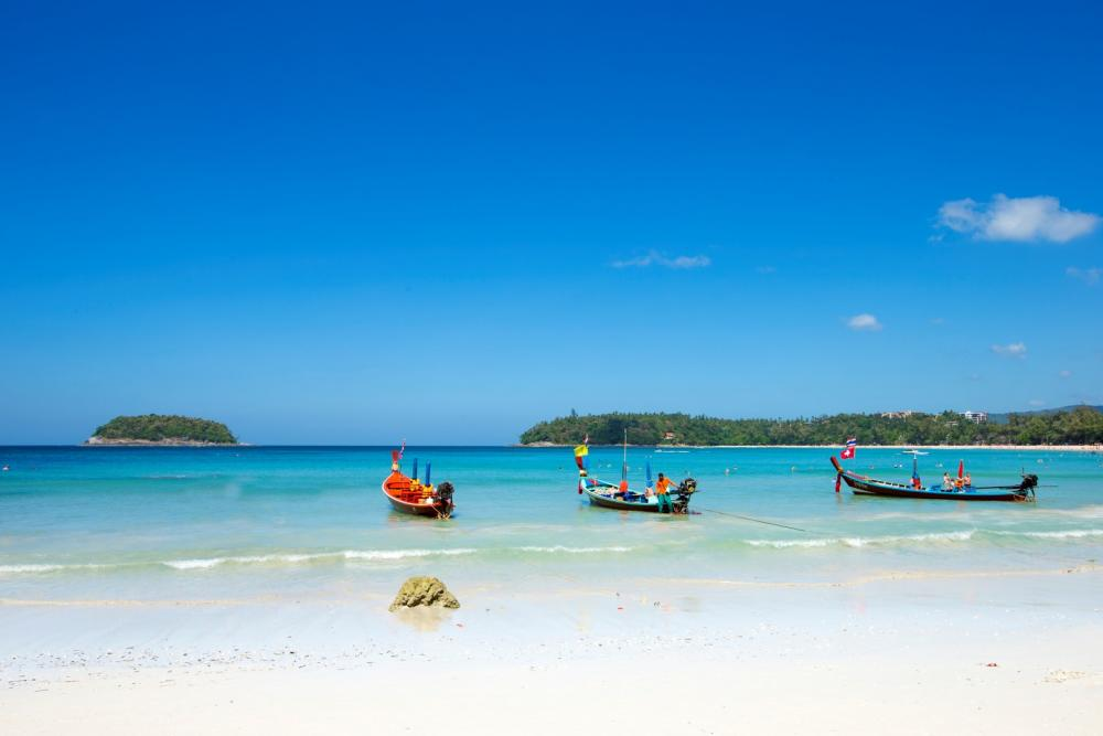 where is the best hotel to stay in phuket