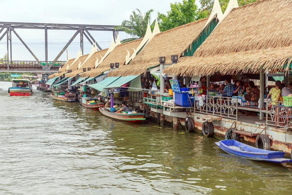 video of floating market bangkok