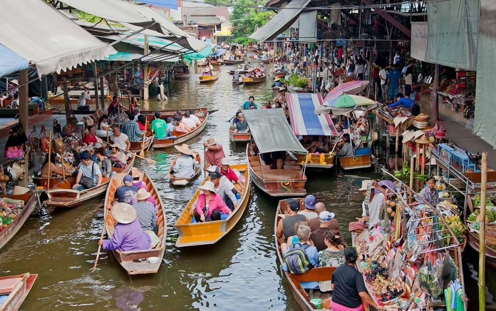floating market bangkok clothes