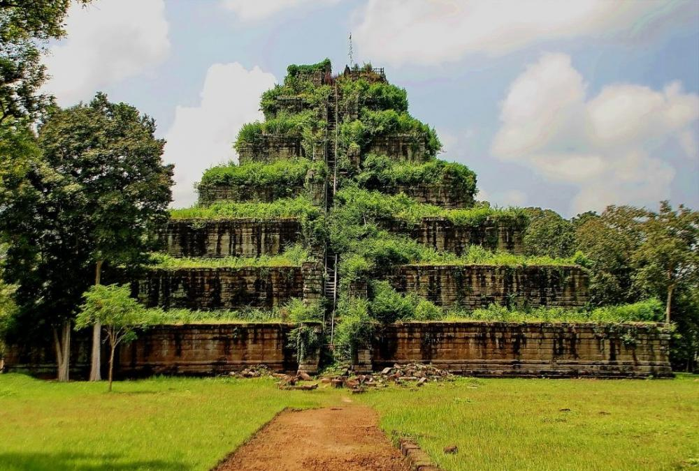 cambodia temple built by tamilan